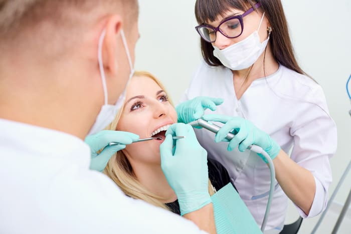 Asystent dentysty